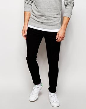 J'opte pour le look vintage avec mon jeans homme